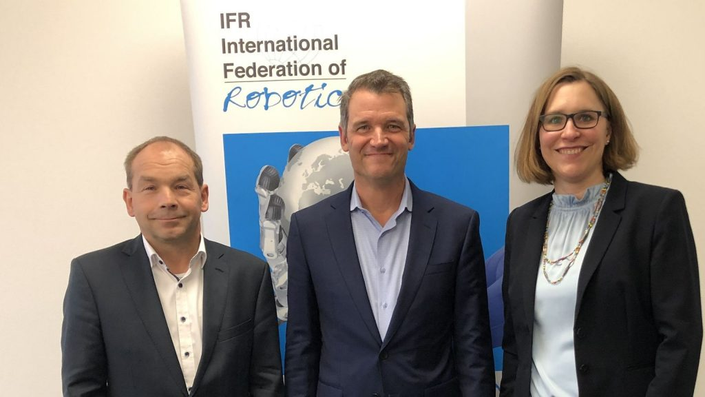 From left to right: Armin Schlenk, chairman IFR Marcom Group; Milton Guerry, IFR president; Susanne Bieller, IFR general secretary. Photo: IFR