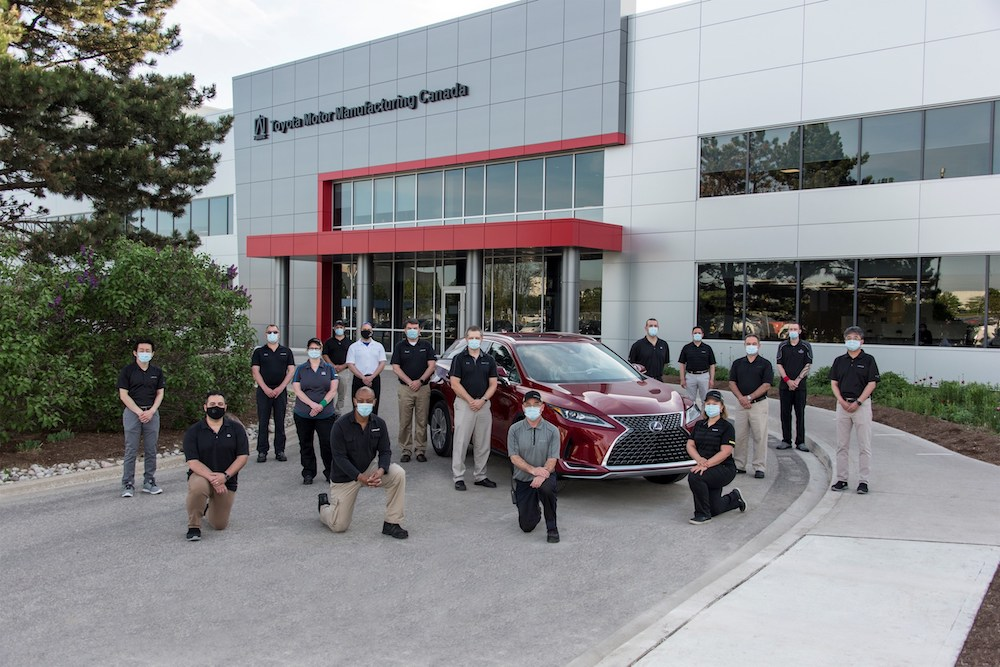 TMMC executives and team members alongside the company's nine millionth vehicle produced – a 2020 Lexus RX 450h hybrid luxury SUV – in Cambridge, ON, on May 27, 2020. Photo: CNW Group/Toyota Canada Inc.